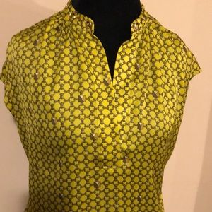 EUC Michael Kors Sleeveless Lime Top! SZ M (A282)